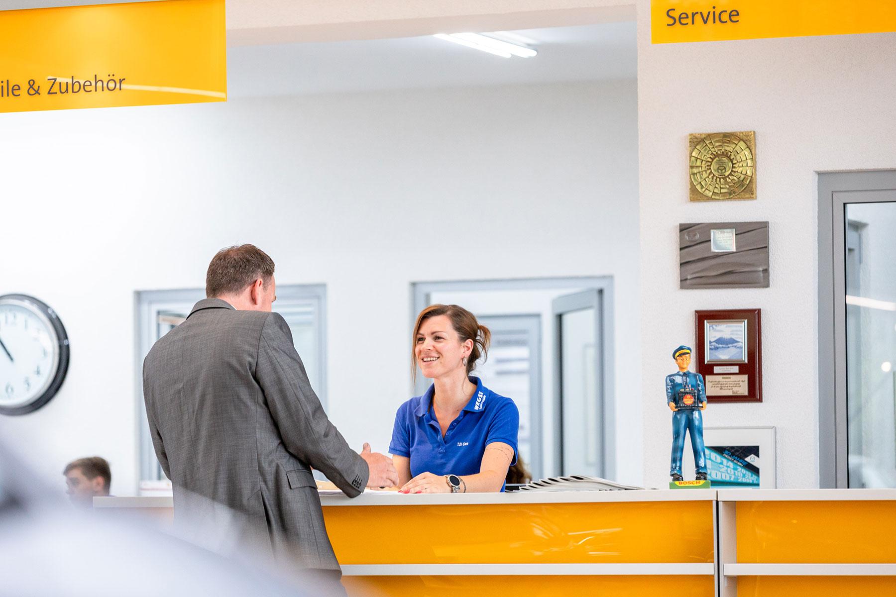 Service Annahme Autohaus Wegst